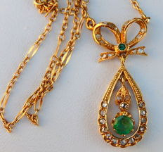 Old necklace with diamonds and emeralds pendant in 18 kt gold