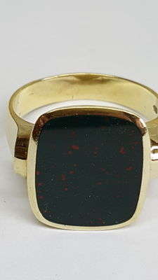 Vintage 14 kt yellow gold men's signet ring with heliotrope, jasper.