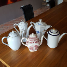 Lot with 5 nice 1950s coffee pots