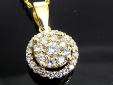 Yellow gold pendant with 29 brilliant cut diamonds of in total 0.50 ct – including necklace of 42 cm
