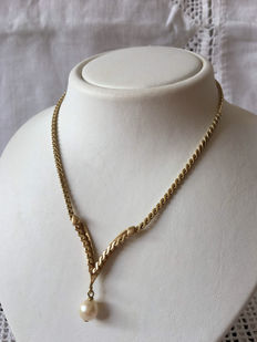 14 kt gold necklace with pearl pendant, 18.4 g, 50 cm.