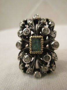 Silver and gold ring with emerald and a coronet of 20 rose-cut diamonds