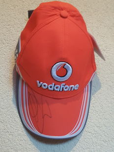 Jenson Button - F1 world champion - Unworn Formula 1 McLaren cap incl. tags + COA.