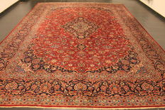 Divinely beautiful semi antique fine Persian palace carpet Keschan Keshan best cork wool around 1950 signed by knotting master Made in Iran 305x430cm