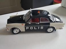 Revell - Scale 1/18 - Volvo Amazon - Polis