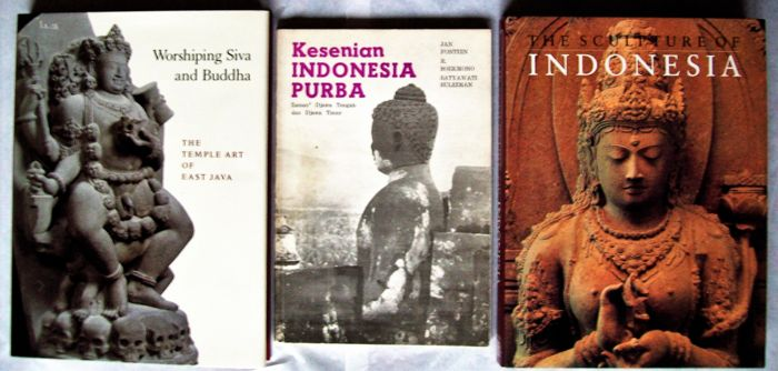 Lot with 5 books on the architecture and sculpture of Java and Bali.