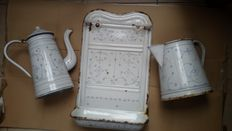 Lot with 3 enamel kitchen items in sax decor