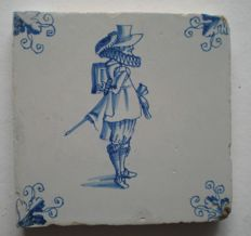 Antique tile with figure, so called. '  Distinguished gentleman ', special scene!