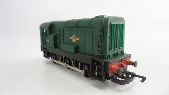 Hornby 00 - R156 - diesel-electric shunting locomotive Class 08 Type D3000 of the British Railways.