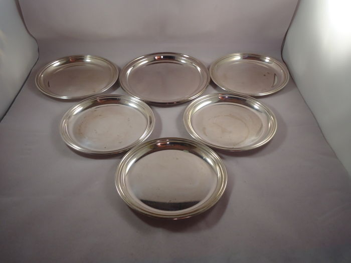 6 silver saucers, Italy, late 20th century, English style
