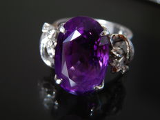 14 kt gold amethyst ring with brilliants, ***no reserve price***
