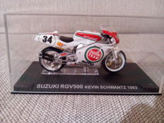 Moto GP - 40 model bikes 1/24 - ca. 2014