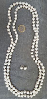 Pearl earrings and XL necklace (180 cm) made of cultured fresh water pearls