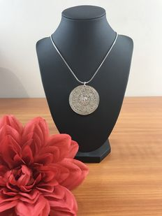 Silver necklace with 925k/835k pendant
