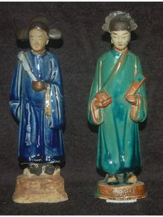 Pair of ceramic statuettes depicting dignitaries – China – early 20th century