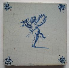 Antique tile with wreath!         (Special scene)