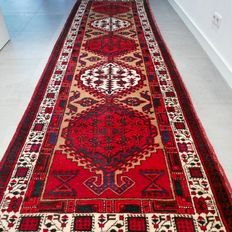 Fantastic Gharadje runner – 323 x 100 – superb quality and appearance.