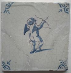 Antique tile with Cupid-with bow and arrow (special scene)