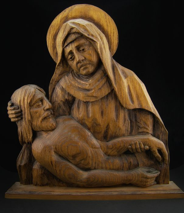"Antique monochrome wood sculpture depicting the ""Pietà"" - France 19th / 20th century"
