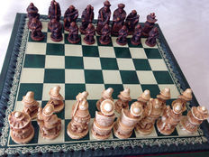 Vintage chess carved by hand - Nigri, with certificate