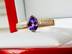 14k 585 Yellow Gold Ring with 1.10ct VVS Tanzanite + 0.21ct H Diamonds - Total Weight 2,513gr - without Reserve price