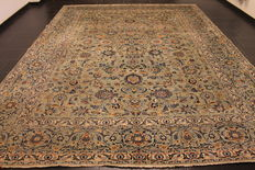 Magnificent antique handwoven Persian carpet Keshan Keschan. Made in Iran, mid of the 20th century 300 x 395 cm