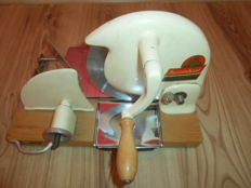 Zassenhaus  Alleschneider 330 -Origin old all cutting mechanical slicer bread\meat \cheese Enamel\Chrom