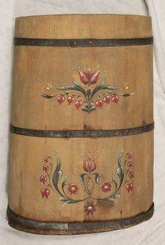 Antique service, ca 1900, wood with metal rings