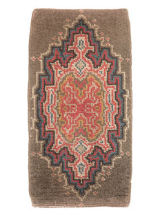 Hand-knotted, Dutch rug (Amsterdam School); late nineteenth century; 96 cm x 50 cm