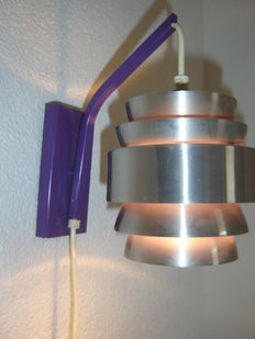 Designer unknown - Space age aluminium wall light