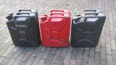 3 x 20L jerry cans