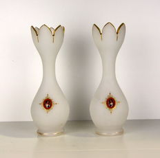 A pair of opaline vases with painted portraits - France - ca. 1900