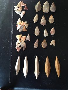 47 arrowheads. Neolithic. 1 cm to 3.5 cm. 5 from Morocco - 5cm to 5.5 cm.