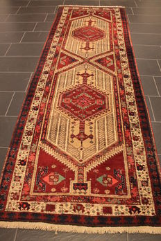 Old Persian carpet Sarab circa 1950 Made in Iran 107 x 320 wool on cotton, natural colours