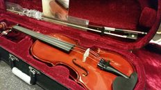 Menzel study Violin 1/2, complete with case, bow and resin