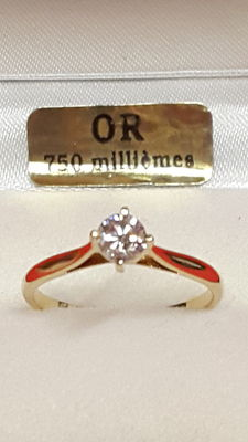 18kt Yellow gold with 0.39ct solitaire diamond - size 51