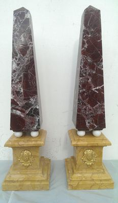 A pair of Red Levanto marble obelisks - Venice, Italy, mid 20th century