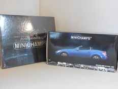 Minichamps - Schaal 1/18 - Mercedes-Benz SLK-Class 2004 + Foto boek ´20 Years Minichamps - Pure Passion´