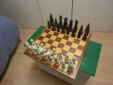 Lancelot porcelain chess set with wooden chessboard - early 1990s