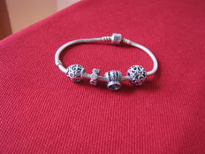 925 silver Pandora bracelet with charms – 19 cm
