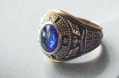 10 kt gold ring with sapphire, 1967 Richmond
