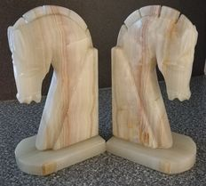2 Onyx bookends in the shape of horse head - 3720 g