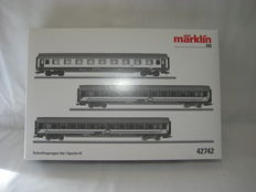 Marklin H0 - 3-piece set carriages of the SNCB