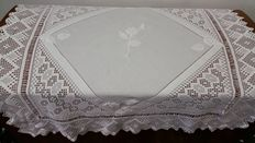 Hand-embroidered hand-woven linen tablecloth, with crocheted border, from an Italian private collection, around 1925
