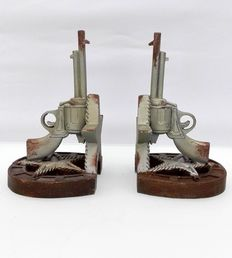 A pair of Western bookends - End of the 20th century - Belgium
