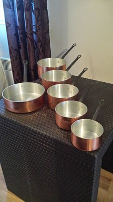 Set of 5 saucepans and 1 tinned copper frying pan of French brand tournus, cast iron handle