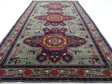 "Kazakh Derbent – 224 x 130 cm – ""Impressive, finely knotted Persian carpet in beautiful condition""."