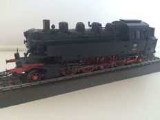 Marklin H0 - From set 29532 - Tender locomotive BR 86 of the DB