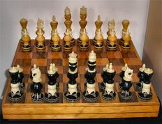 Mexican Large Hand Carved Wood & Bone Upright Chess Set in box with Board