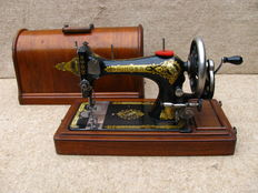 Singer sewing machine 28K from 1901.